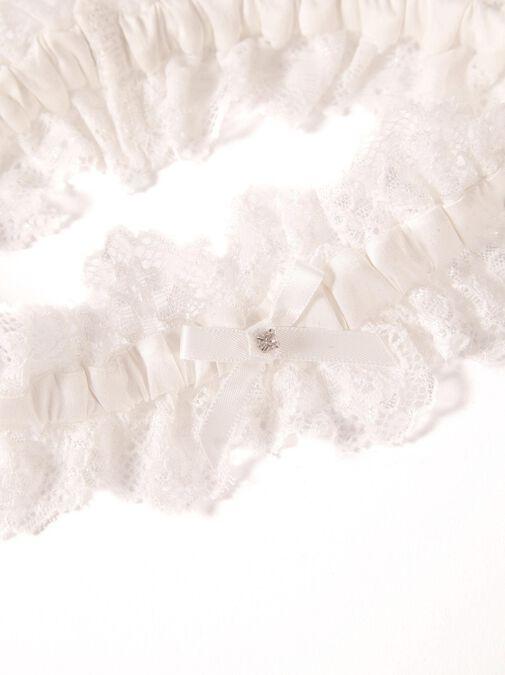Bridal Ivory Garter image number 1.0