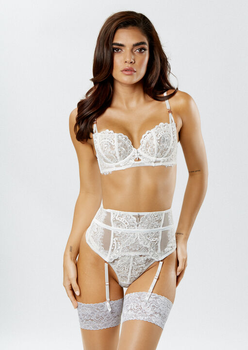 Fiercely Sexy Non Padded Bra image number 1.0