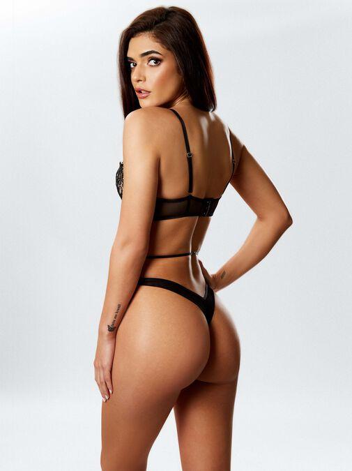 Femme Fatale Body image number 2.0