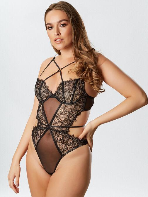 Femme Fatale Body image number 6.0
