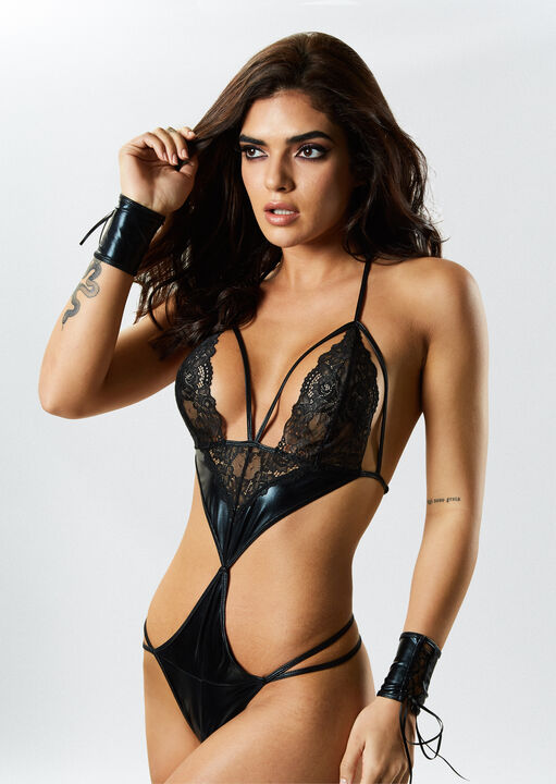 PU Brielle Crotchless Body with Cuffs image number 0.0