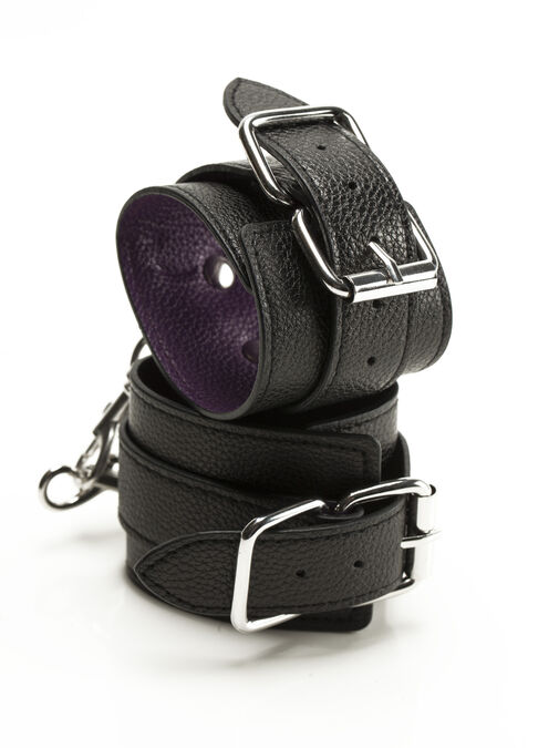 Basic Buckle Cuffs image number 0.0