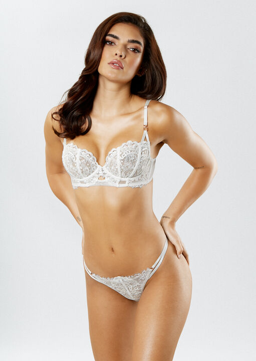 Fiercely Sexy Non Padded Bra image number 4.0