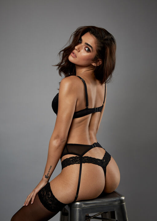 Sexy Lace Suspender Belt  image number 6.0