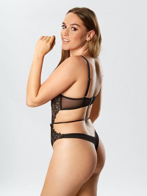 Femme Fatale Body image number 4.0