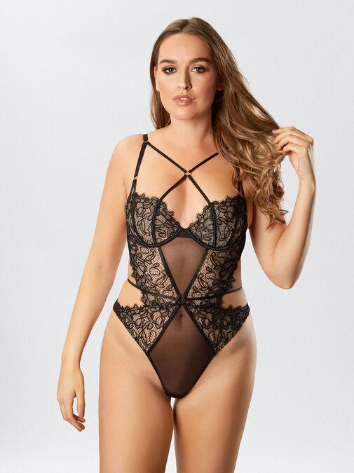 Femme Fatale Body image number 5.0