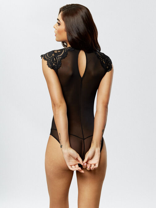 The Elegant Body image number 2.0