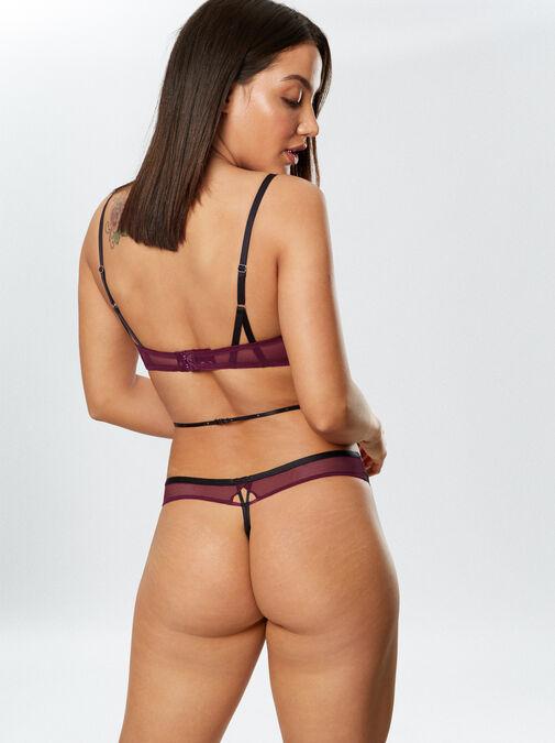 Yasmin Body image number 1.0
