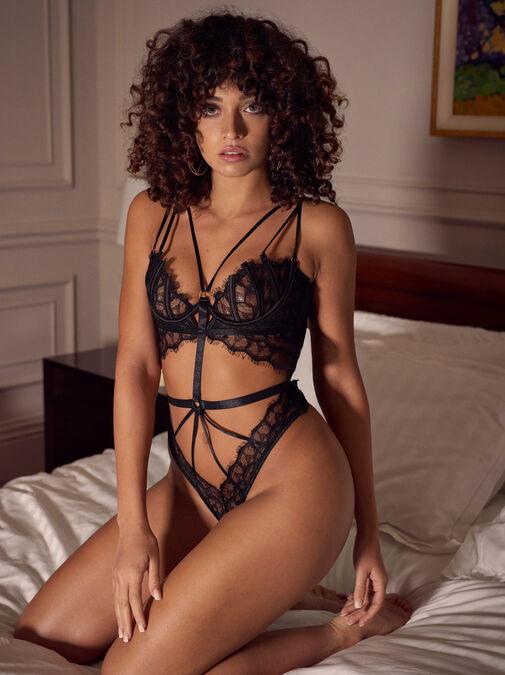 Raya Crotchless Body image number 0.0