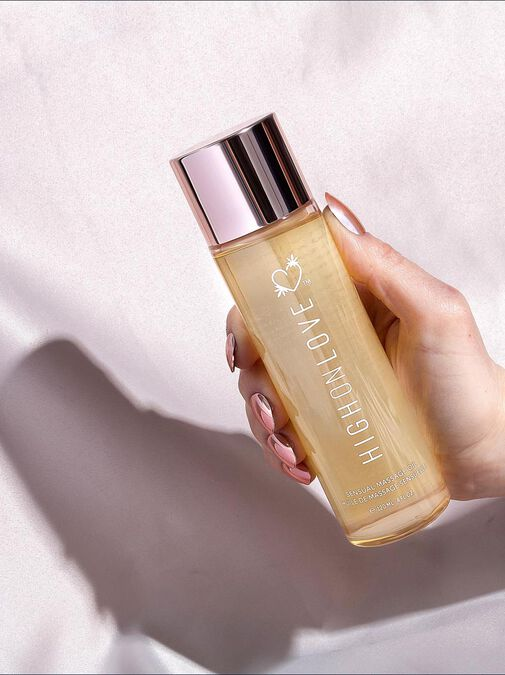 High On Love Lychee Martini Massage Oil image number 2.0