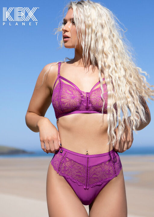 Knickerbox Planet - The Desirable Non Padded Bra image number 1.0