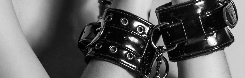 Beginner's guide to bondage & bdsm - Handcuffs